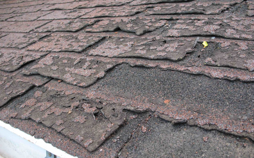 4 Signs Your Houston Roof Is Done